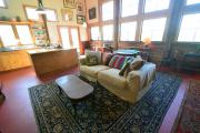 <h5>living room</h5>